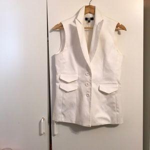 Saks Fifth Avenue woman's size 10 white vest.